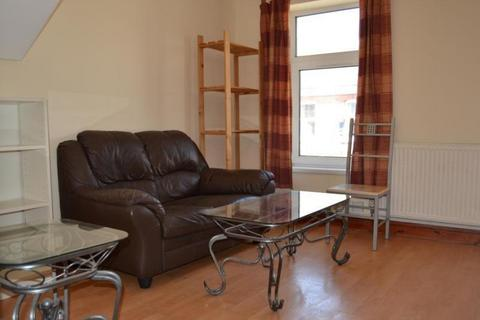 2 bedroom flat to rent - Treharris Street, Roath, Cardiff