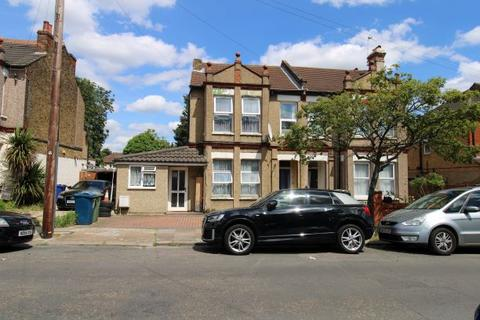 3 bedroom flat for sale - Wealdstone, HA3
