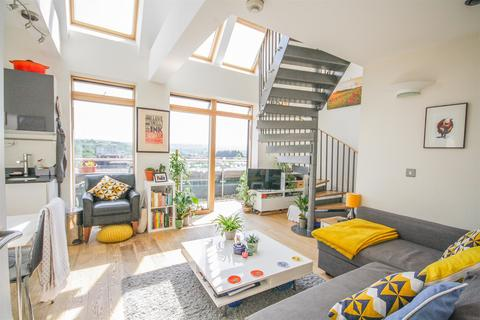 1 bedroom flat for sale - Robinson Building, Norfolk Place, Bedminster, Bristol, BS3 4AX