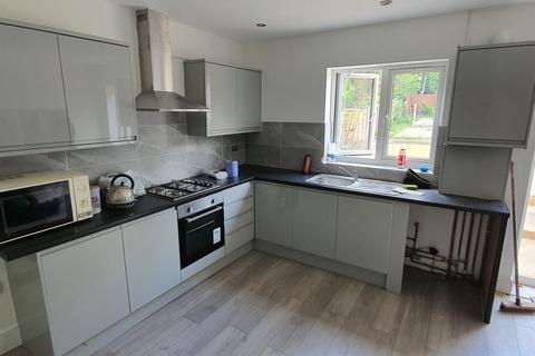 3 bedroom flat to rent - Cranbrook Road, Ilford, Essex, IG1