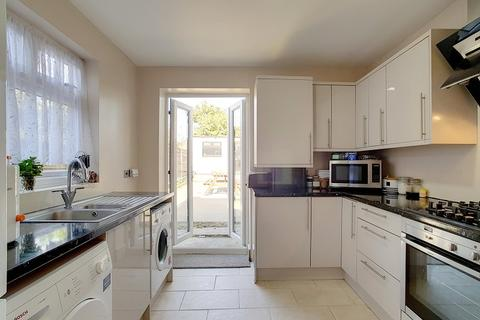 3 bedroom terraced house to rent - High Road Leytonstone, London, Greater London. E11