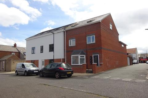 2 bedroom property for sale - Villette Path, Hendon, Sunderland, Tyne and Wear, SR2 8JH
