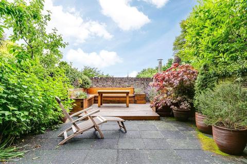 5 bedroom terraced house for sale - Dukes Head Yard, Highgate Village, London, N6