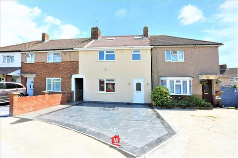 4 bedroom terraced house for sale - Chester Road, Slough