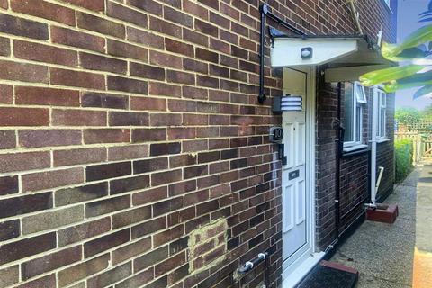 2 bedroom ground floor flat for sale - Wickham Street, Welling, Kent