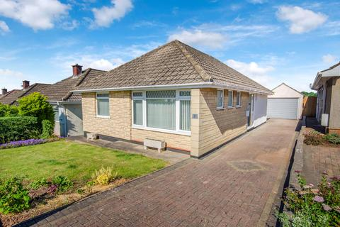 2 bedroom detached bungalow for sale - Milford Avenue, Wick