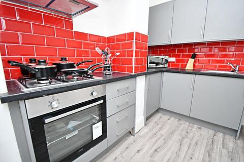 4 bedroom terraced house for sale - St Anne St, BB12