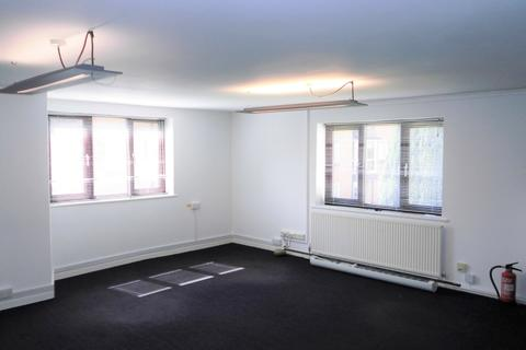Office to rent - First Floor, Queen Anne House, 66 Cricklade Street, Cirencester, Gloucestershire, GL7 1JN