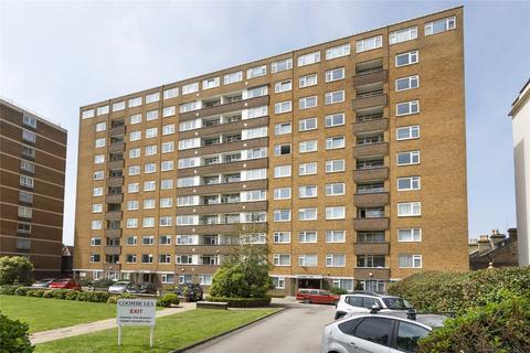 3 bedroom apartment for sale - Coombe Lea, Grand Avenue, Hove, BN3