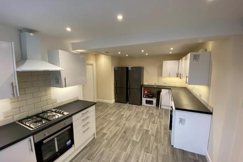 6 bedroom semi-detached house to rent - Peveril Road, Beeston, NG9 2HU