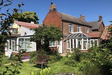 2 bedroom cottage for sale - Studio Cottage, Main Street, Asselby