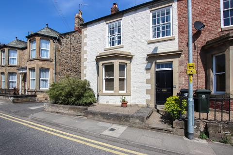 4 bedroom end of terrace house for sale - Hencotes, Hexham
