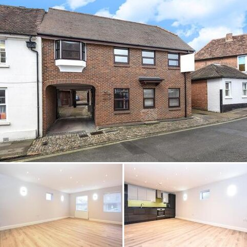 2 bedroom flat for sale - Rickfords Hill,  Aylesbury,  HP20