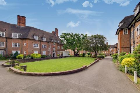 3 bedroom flat for sale - Heathcroft , Hampstead Way, NW11