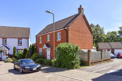 4 bedroom detached house for sale - Barentin Way, Petersfield