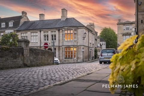 3 bedroom property for sale - Barn Hill, Stamford