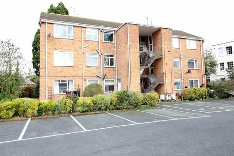 3 bedroom flat to rent - Andover Court, Andover Road, Cheltenham