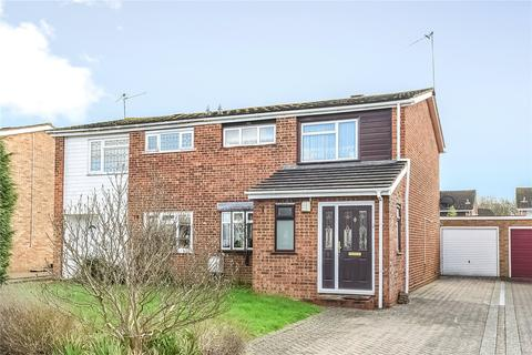 3 bedroom semi-detached house to rent - Spruce Road, Woodley, Berkshire, RG5