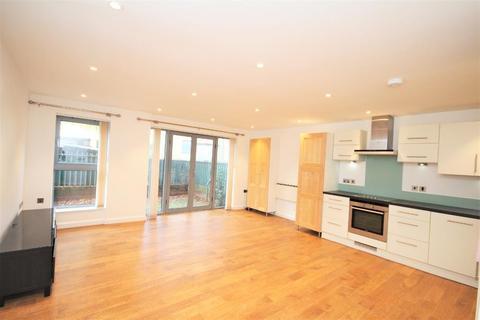 3 bedroom flat for sale - Church Walk, Stoke Newington, London, N16 8QA