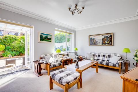 4 bedroom semi-detached house for sale - Fielding Road, London W4