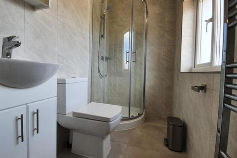 1 bedroom in a house share to rent - John Street, Hounslow