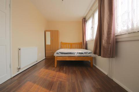 2 bedroom flat to rent - Moody Street, London