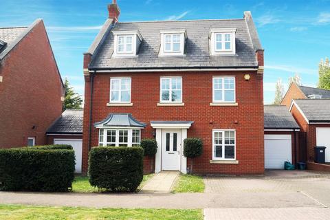 5 bedroom detached house for sale - Hazel Lane, Chigwell