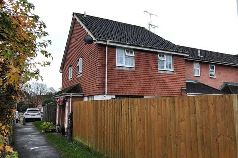 2 bedroom end of terrace house for sale - Cypress Avenue, Worthing