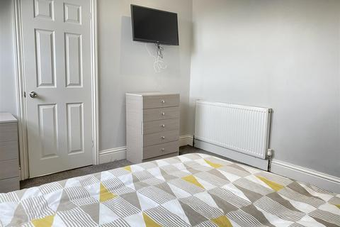 7 bedroom house share to rent - Ensuite Room 6 2 Elm Terrace Hull