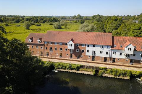 3 bedroom townhouse for sale - Bracondale Millgate, Norwich