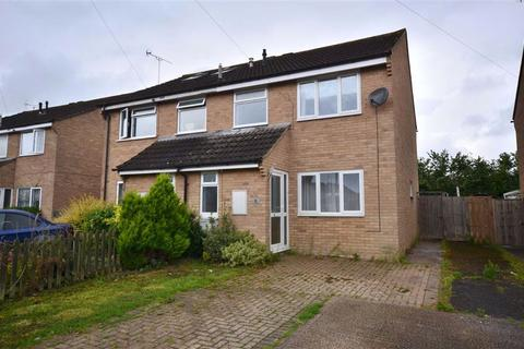 3 bedroom semi-detached house to rent - Sandalwood Drive, Hempsted, Gloucester, GL2