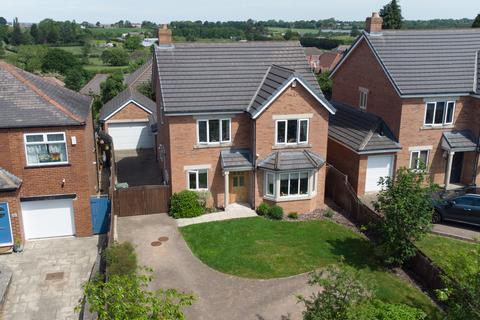 5 bedroom detached house for sale - Main Street, Leeds, LS17