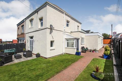 3 bedroom semi-detached house for sale - Tunstall Villas, Tunstall Village SR3 2BE