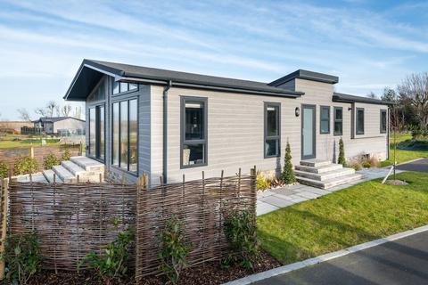 2 bedroom lodge for sale - Aldeburgh Suffolk