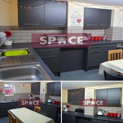 7 bedroom terraced house to rent - Kirkstall Lane  LS6
