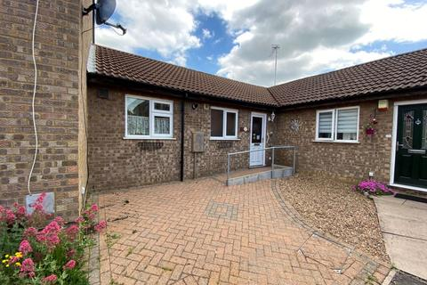 2 bedroom terraced bungalow for sale - Chedworth Close, Ecton Brook, Northampton NN3 5HW