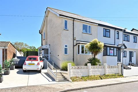 3 bedroom end of terrace house for sale - Arundel Road, Newhaven, East Sussex, BN9