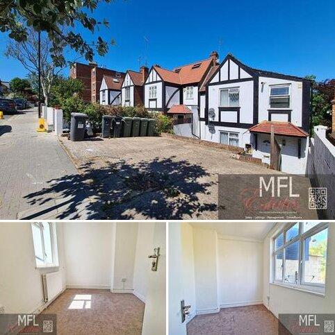 3 bedroom ground floor maisonette to rent - Knollys Road, Streatham SW16