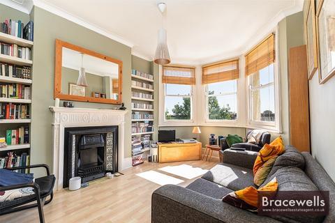 2 bedroom flat to rent - Birkbeck Road N8