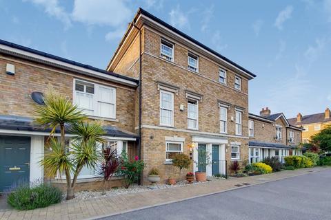 3 bedroom terraced house for sale - Belvedere Mews, Blackheath, London, SE3