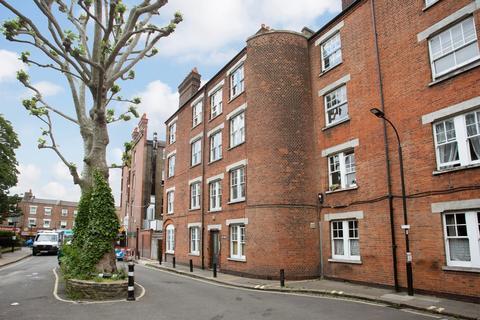2 bedroom flat to rent - Cromwell Avenue, Ravenscourt Park, W6
