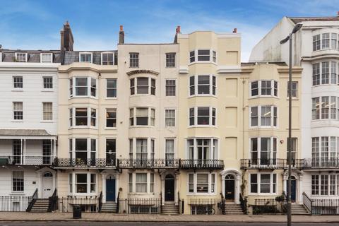 Studio to rent - Pavilion Parade, Brighton, East Sussex, BN2