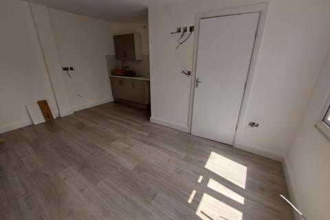 Studio to rent - Leda Ave , EN3