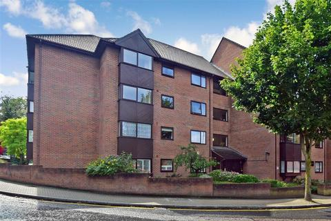 2 bedroom flat for sale - Whytecliffe Road South, Purley, Surrey