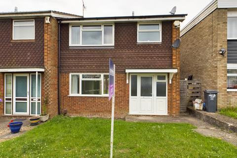 3 bedroom semi-detached house to rent - The Meads, Leicester