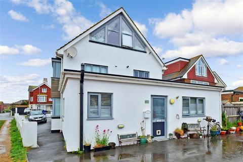 2 bedroom ground floor flat for sale - Ambleside Avenue, Telscombe Cliffs, Peacehaven, East Sussex