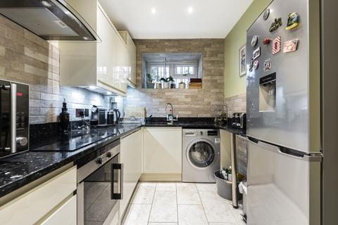 2 bedroom flat to rent - Dartmouth Terrace London SE10