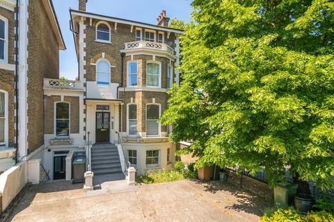 2 bedroom flat for sale - Burnt Ash Road, London, SE12