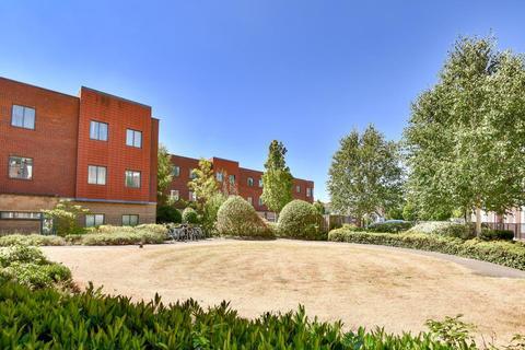 2 bedroom apartment to rent - Manor Park,  Headington,  OX3