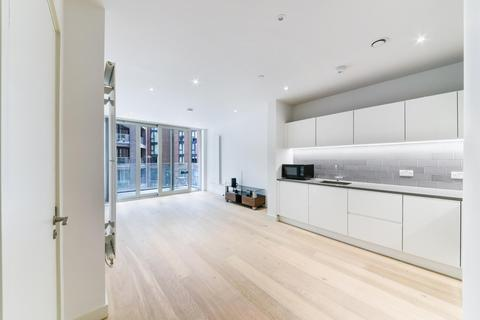 2 bedroom apartment for sale - Liner House, Royal Wharf, London, E16